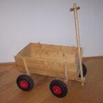 Holzhandwagen